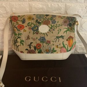 Authentic Gucci Floral crossbody White Leather